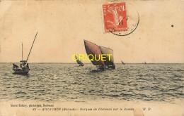 33 Arcachon, Barques De Pêcheurs Dans Le Bassin, Carte Colorisée Pas Courante, Affranchie 1911 - Arcachon