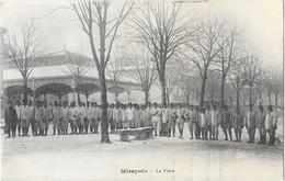 MIREPOIX (09) Place Halle Groupe De Militaires Belle Animation - Mirepoix