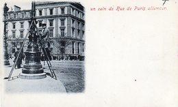 Allumeur De Réverbère Dans Un Coin De Rue De Paris - Professions