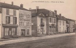 LA PACAUDIERE -  Place De La Mairie - La Pacaudiere