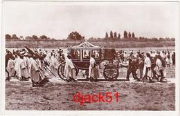 Maroc / Sa Majesté Sidi Mohamed Se Rendant à La Prière Dans Son Carosse Royal / 1948 / Lucky - Maroc