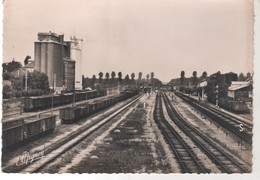 CPSM 77 - VERNEUIL L' ETANG - La Gare - Peu Courante - France