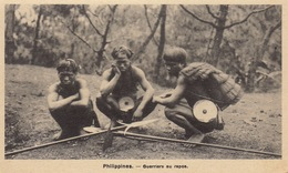 Philippines Guerriers Au Repos - Philippines