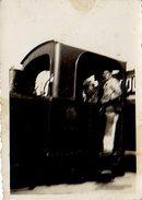 ROYAN JUILLET 1938 CHEMINOT SUR LA LOCOMOTIVE PETITE PHOTO - Royan