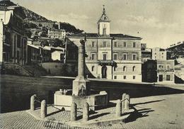 Allumiere (Roma) Piazza Vittorio Emanuele E Palazzo Comunale VG 1956 - Altre Città