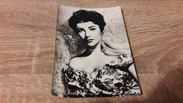Postcard - Film, Actor, Elizabeth Taylor    (V 30802) - Acteurs