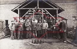 CP Photo 1916 COURRIERES - Soldats Allemands, Jeu De Quilles, K.B. Fussart. Bat. 742 (A167, Ww1, Wk 1) - France