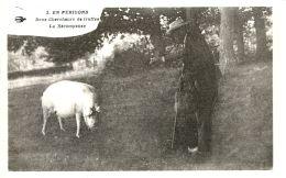 N°32253 -cpa En Périgord -deux Chercheurs De Truffes- - Agriculture
