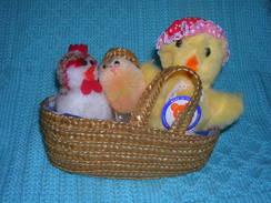 3 PULCINI PELOUCHE IN CESTINO - Cuddly Toys