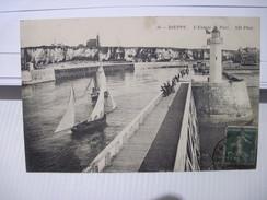 CPA DIEPPE  L'Entrée Du Port T.B.E. 1912 - Dieppe