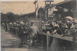 CPA Voiture Automobile Course Circuit Non Circulé Gordon Bennett Les Marqueurs à L'arrivée à Vienne - Sport Automobile