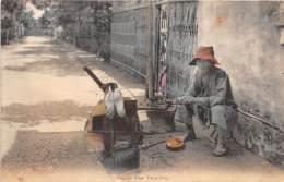 CHINE - Les Petits Métiers / Chinese Shoe Repairing - Beau Cliché Animé - Chine