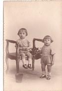 26001 Carte Photo Enfant Frere - Faux Jumeaux - Garcon Children- Belgique Vers 1920 -photographe  Timmermans Bruxelles-