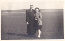 26014 Carte Photo Louvain Leuven -essai De Planeur De Topol -mars 1944 Airport -+ Photo Du Couple En Vacances