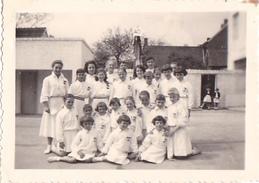 26019  Photo à MOL  Belgique -ecole Viviane 1957