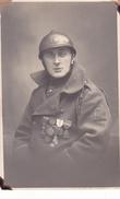 26024 Quatre 4 Carte Photo Belgique - Soldat  Guerre 1914 -bruxelles Medaille