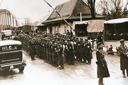Militaria WW2 -  Les Troupes D'Hitler Envahissent L'Autriche Le 12 Mars 1938. C'est L'Anschluss - 1939-45