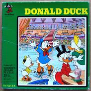 Ancien PUZZLE EN BOIS Walt Disney : Donald S'en Va Patiner (Ed. Hope, 25 Pièces, Made In England) - Puzzle Games