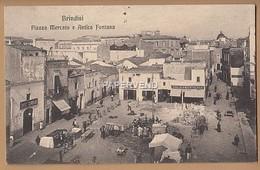 Italy  BRINDISI Piazza Mercato E Antica Fontana  It201 - Brindisi