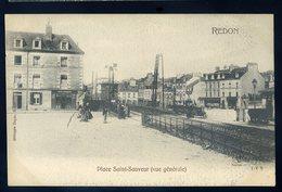 Cpa  Du 35  Redon Place Saint Sauveur -- Vue Générale  NCL42 - Redon
