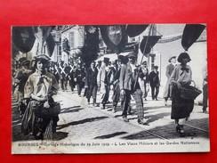 Cpa 18 BOURGES Anime  29 Juin 1929 Cortege Historique Vieux Metiers Et Gardes Nationnaux - Bourges