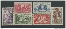 Madagascar N° 193 / 98 X , Exposition Internationale De Paris , La Série Des 6 Valeurs Trace De Charnière, Sinon TB