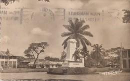 Afrique - Cameroun - Douala - Monument Aux Morts 14-18 - 1957 - Camerun