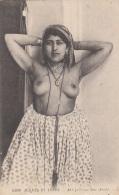 Algérie - Femme Nue - Seins Nus Bijoux - Algérie