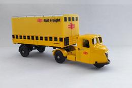"""Miniature 1/76 Corgi - Camion Scammell Scarab 500 """"Rail Freight"""" 1948/1957 - Automobili"""