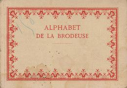 ALPHABET DE LA BRODEUSE        /////  REF FEV. 17 /////  2352 - Cross Stitch