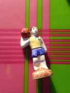 Feve  Serie Moulin à  Huile Joueur De Basket N° 4 - Santons