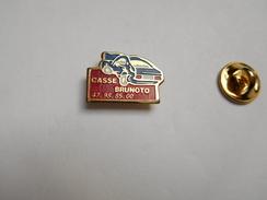 Brunoto : Casse Auto à GENNEVILLIERS - Pin's