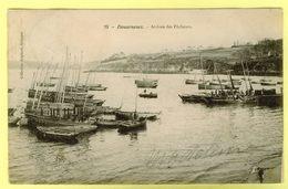 - 29 - Finistere - Douarnenez - Arrivée Des Pecheurs - Coll Anglaret - Quimper - Bateaux - Pecheurs - Karten Bost - Douarnenez