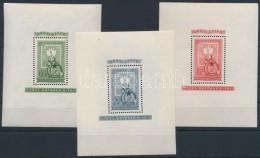 ** 1951 80 éves A Magyar Bélyeg Blokksor (cellulózdarab A 2Ft Blokkban) (42.000) - Stamps