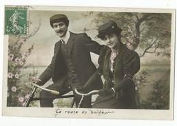 FEMMES - FRAU - LADY - Jolie Carte Fantaisie Portrait Couple - Paare