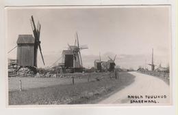 Saarema.Way With Windmills. - Estonie