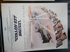 Affichette  Cinema Les Uns Et Les Autres De Claude Lelouch 54 X 40 Cm - Plakate & Poster