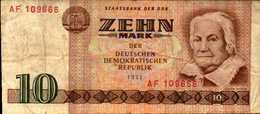 ALLEMAGNE République Démocratique 10 MARK De 1971 Pick 28a - [ 6] 1949-1990 : GDR - German Dem. Rep.