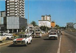 LIBREVILLE - Boulevard De L'Indépendance - Old Cars - Gabon