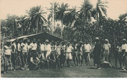 POSTAL DE GUINEA ESPAÑOLA DE BRACEROS Y ENCARGADOS DE UNA EXPLOTACION DE CACAO (EXPO IBERO-AMERICANA SEVILLA 1929) - Guinea Ecuatorial