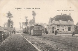 Leysele La Station Du Vicinal TRAM Devant Café De La Gare 1910