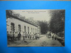 29) 01 - Lannilis - Ecole Communale - Rue Vallée-Neuve -N°6120 -  Attelage - EDIT - Coll E Harmonie - Autres Communes