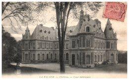78 - La FALAISE -- Château - Cour Intérieure - France