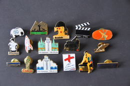 LOT DE 16 PIN' S DIFFERENTS - Badges