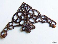 4 Estampe Coin D'angle Filigrane Cuivré Environ 35mm De Côté   Estampe Filigrane En Forme De Triangle Très Léger Pour Vo - Perles