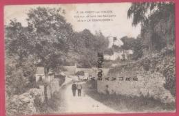 60 - CREPY EN VALOIS--Vue Sur Un Coin Des Remparts Et La 'Conrandon'--animé - Crepy En Valois