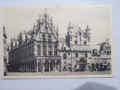 CPA   Malines - Hôtel De Ville Et Anciennes Halles Aux Draps T.B.E .  19.. - Malines