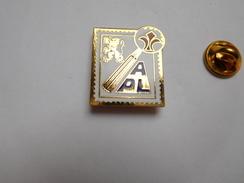 Superbe Pin's En EGF , La Poste ?? Pin's Dentelé , APL , Nord , Collection , Philatélie - Post