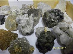 Lot De 31 Minéraux -lot 00-2350 Grs - Minerals