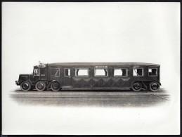 2 Grandes Photos Anciennes Format 24cmx17.5cm  Et 17.5xmx13cm Autorail Michelin ETAT - Trains